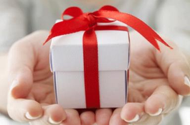 offir-un-cadeau-a-sa-petite-amie
